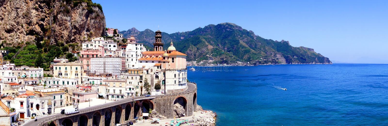 Panorama da costa de Amalfi fotografia de stock royalty free