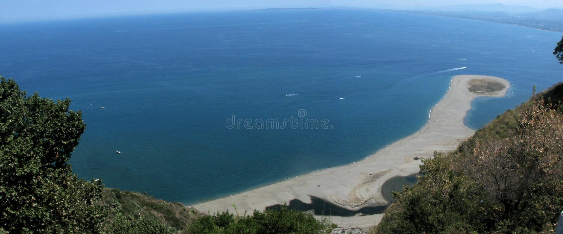 Panorama da costa de Tindari - Messina - Sicília - Itália imagem de stock royalty free