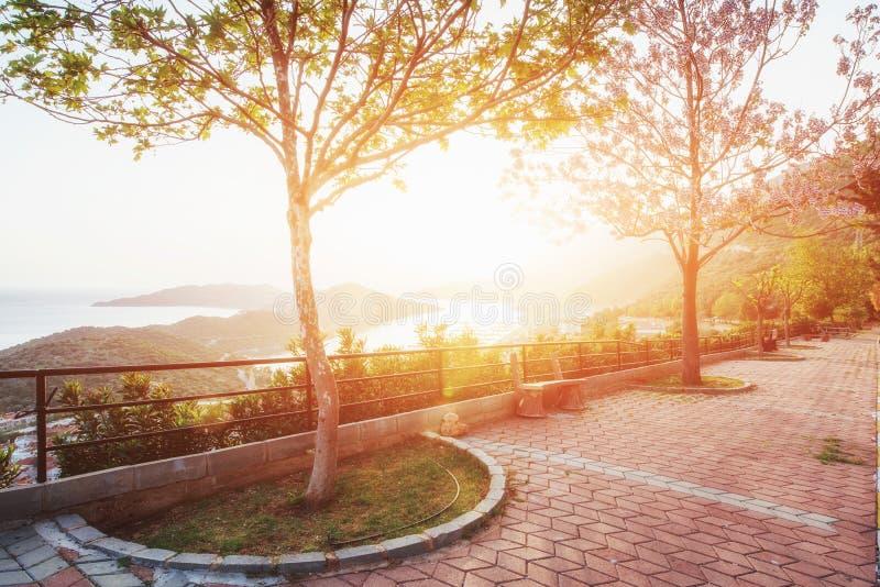 Panorama da costa no por do sol sobre a cidade de Trapani Sicília, Itália, Europa imagens de stock royalty free