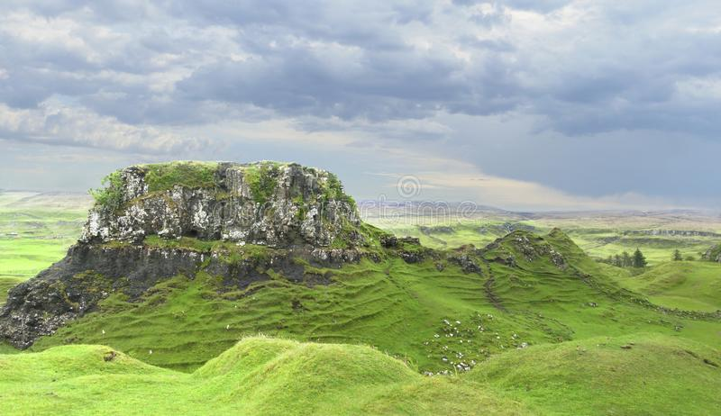 Panorama da fada Glen Isle de Skye, Escócia foto de stock royalty free