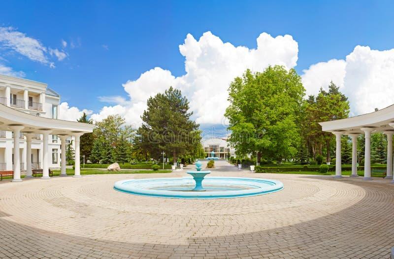 Panorama da fonte no quadrado, Tbilisi, Geórgia imagem de stock royalty free