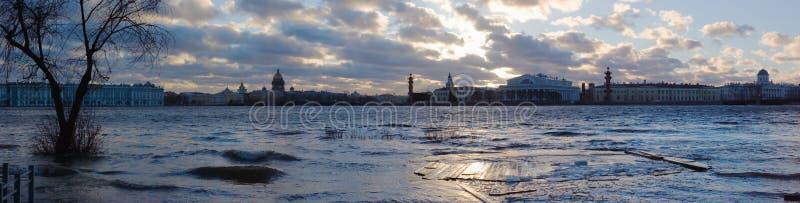 Panorama da inundação fotografia de stock