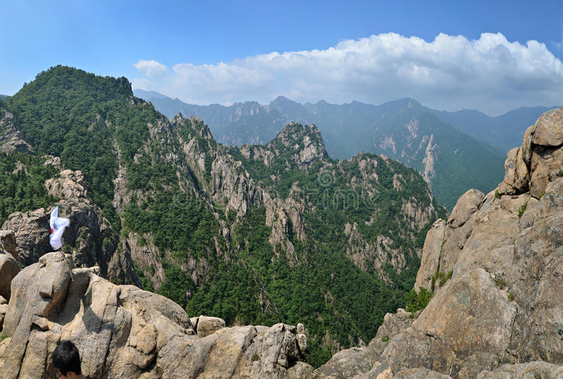 Download Panorama Da Montanha Do Parque Nacional De Seoraksan Imagem de Stock - Imagem de coreia, paisagem: 26520133