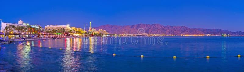 Panorama da noite Eilat fotos de stock royalty free