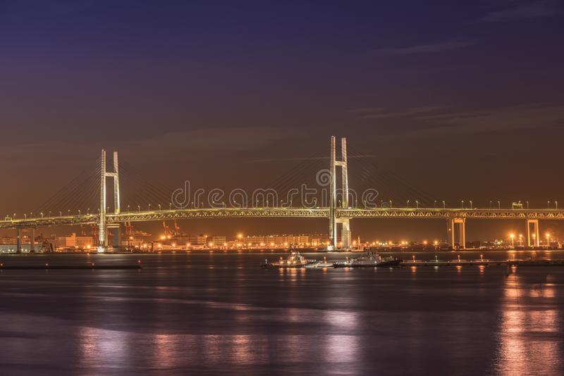 Panorama da ponte da baía de Yokohama do cais de ÅŒsanbashi no Mina imagem de stock royalty free