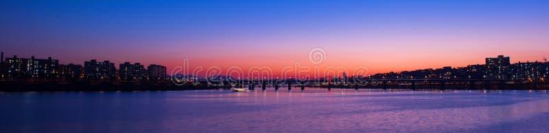 Panorama da ponte de Seongsu no por do sol em Coreia imagens de stock