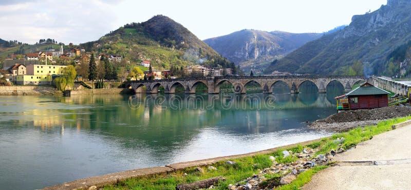 Panorama da ponte de Visegrad imagens de stock