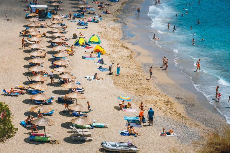 Panorama da praia de Matala imagem de stock royalty free