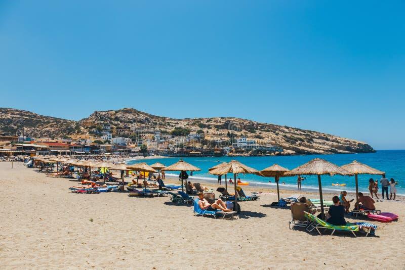 Panorama da praia de Matala fotografia de stock