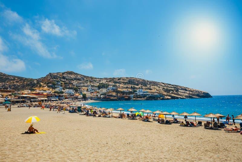 Panorama da praia de Matala imagem de stock