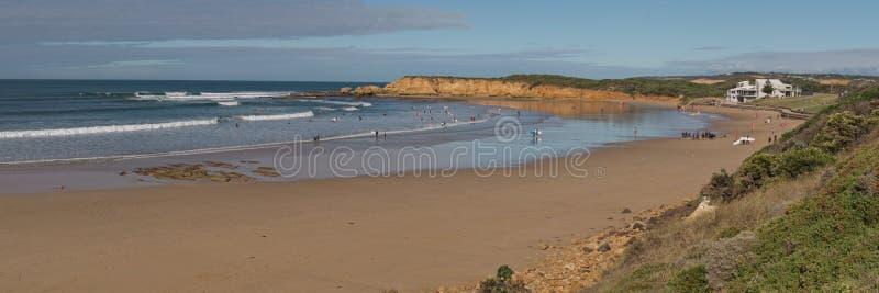 Panorama da praia de Torquay foto de stock royalty free
