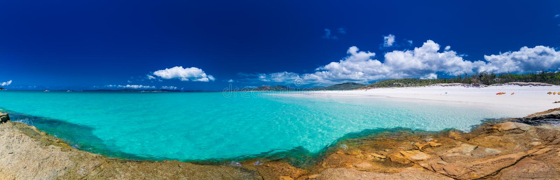 Panorama da praia de Whitehaven com a areia branca no domingo de Pentecostes mim fotos de stock royalty free