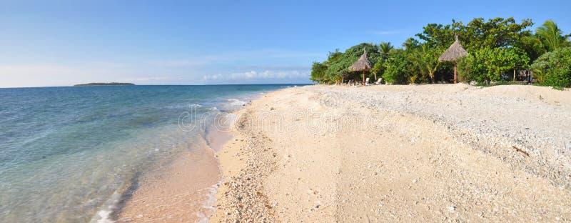 Panorama da praia do console de mar sul, Fiji. imagens de stock