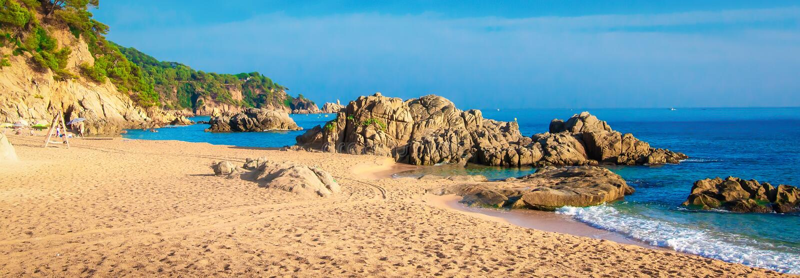Panorama da praia na Espanha, Ibiza imagens de stock royalty free
