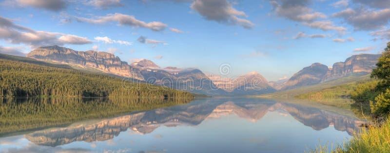 Panorama da reflexão de Sherburne do lago foto de stock royalty free