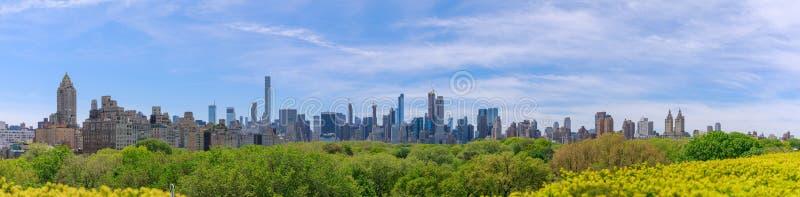 Panorama da skyline de Manhattan do Midtown sobre Central Park foto de stock royalty free