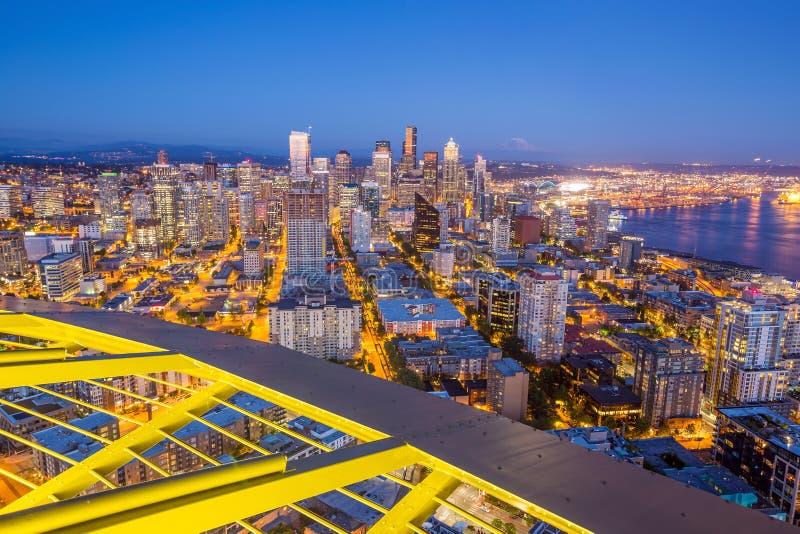 Panorama da skyline de Seattle no por do sol foto de stock