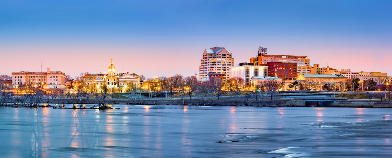 Panorama da skyline de Trenton no alvorecer imagem de stock royalty free