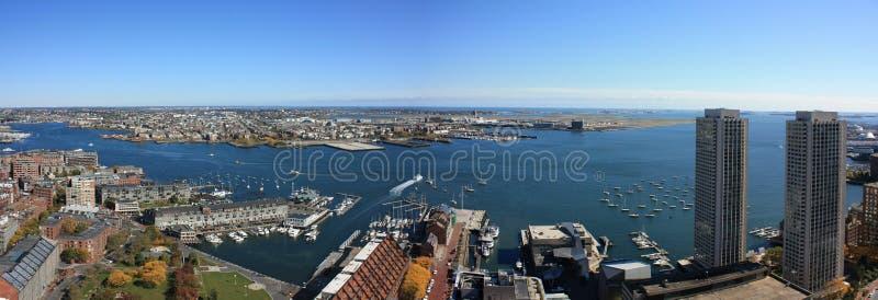 Panorama da skyline do porto de Boston imagens de stock royalty free