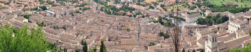 Panorama 1 da vista geral da cidade de Gubbio fotos de stock royalty free