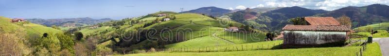 panorama- dal för basque land arkivfoton