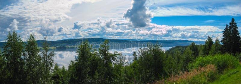 Panorama Dalarna, Suède de lac photos libres de droits