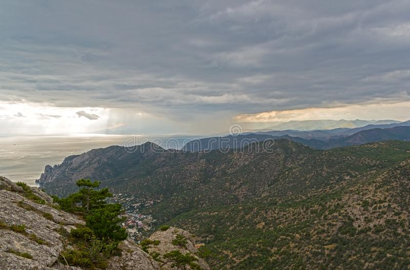 Panorama das montanhas crimeanas foto de stock