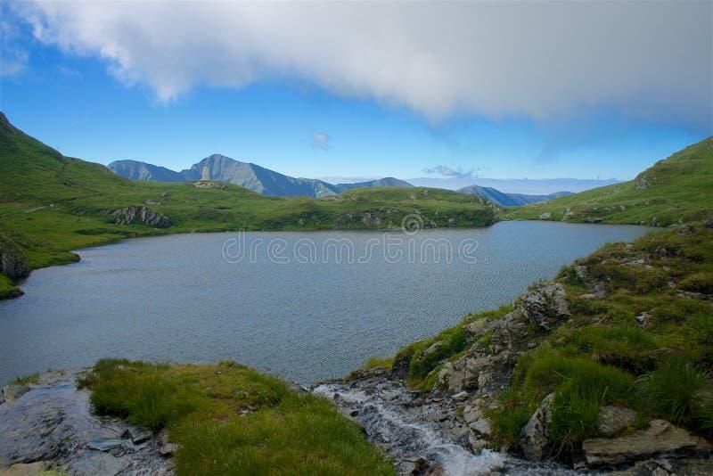 Panorama das montanhas de Fagaras em Romênia fotos de stock royalty free