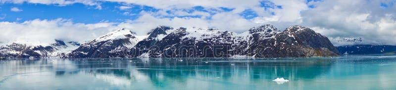 Panorama das montanhas em Alaska, Estados Unidos fotos de stock