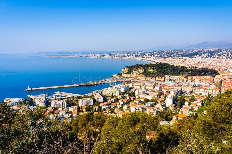 Panorama de agradável no Cote d'Azur, Riviera francês, mar Mediterrâneo visto de Mont Baron fotografia de stock royalty free