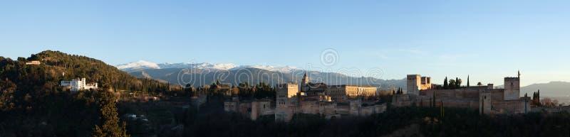 Panorama de Alhambra Palace em Granada, a Andaluzia, Espanha foto de stock royalty free