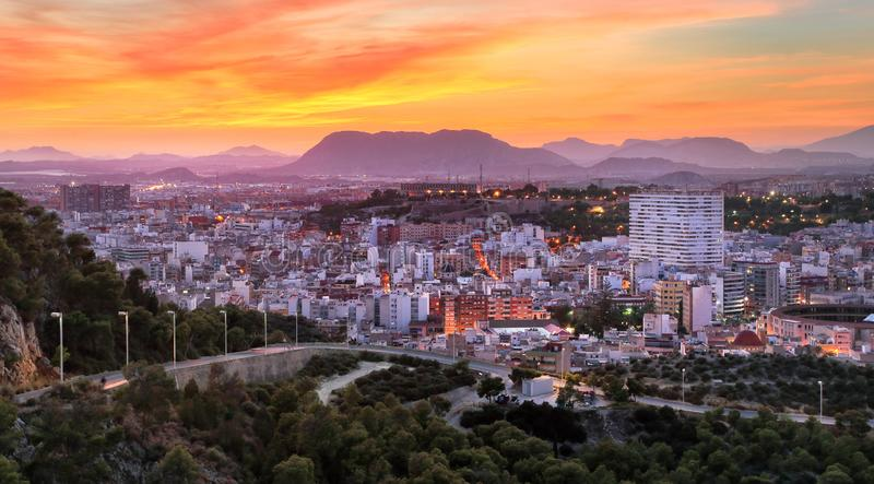 Panorama de Alicante del castillo de Santa Barbara Alicante, Val fotos de archivo