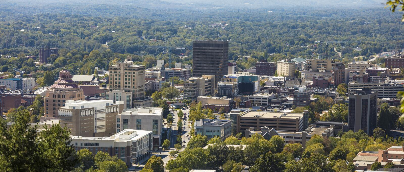 Panorama de Asheville do centro, North Carolina fotografia de stock