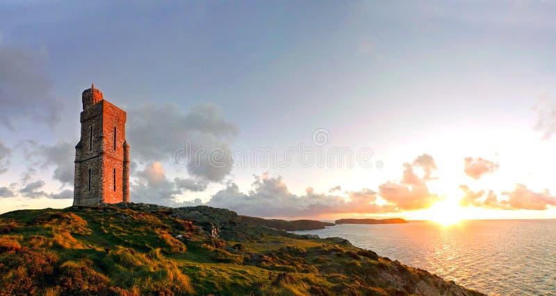 Panorama de au sud de l'île de Man. Tour de Milner image libre de droits