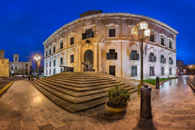 Panorama de Auberge de Castille por la mañana, La Valeta, Malta imágenes de archivo libres de regalías