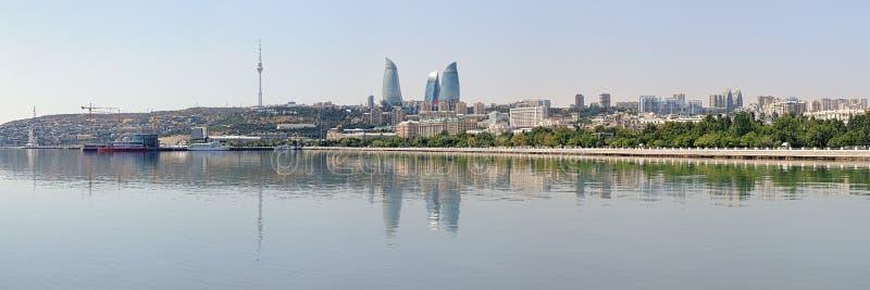 Panorama de Baku do mar Cáspio, Azerbaijão fotos de stock