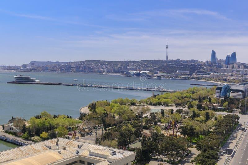Panorama de Baku durante uma pandemia em um dia ensolarado imagens de stock