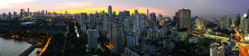 Download Panorama de Bangkok photo éditorial. Image du occupé, panorama - 8670956