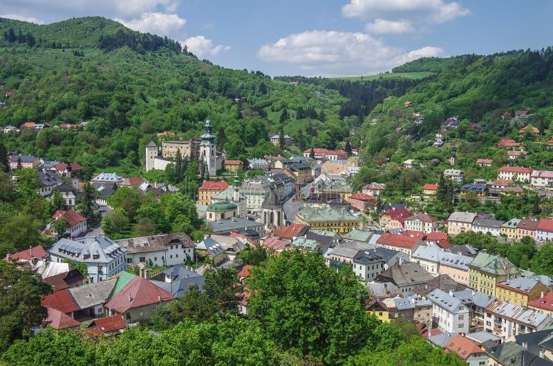 Panorama de Banska Stiavnica Cidade medieval histórica da mineração no Sl fotografia de stock