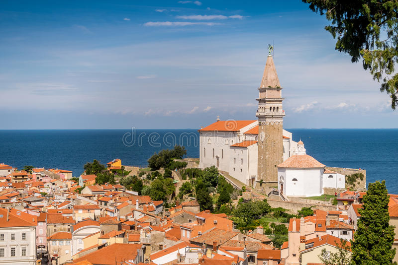 Panorama de beau Piran, Slovénie images stock