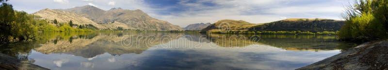 Panorama de brume de lac photographie stock
