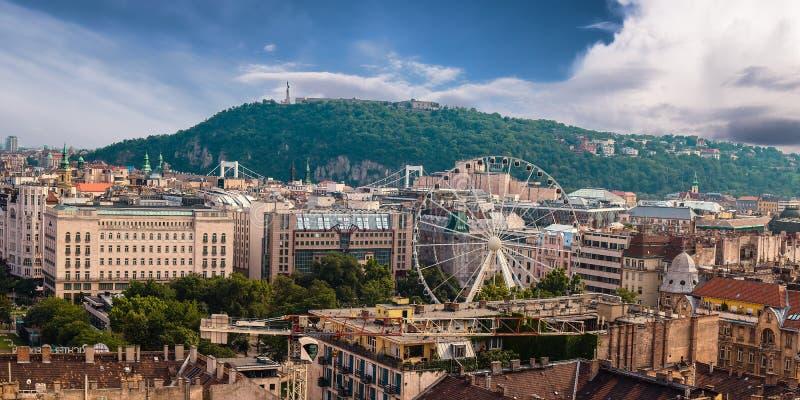 Panorama de Budapest Hungria, vista na citadela imagem de stock royalty free