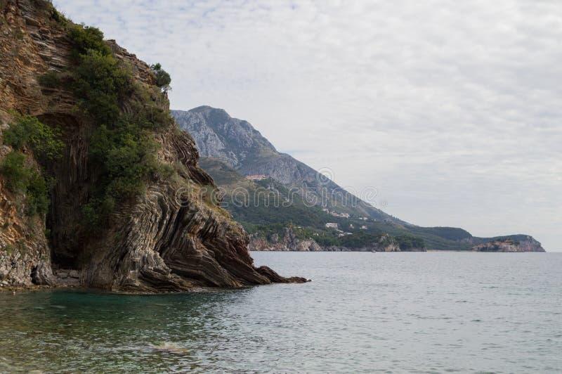 Panorama de Budva Riviera con Sveti Stefan Island, Montenegro fotografía de archivo libre de regalías
