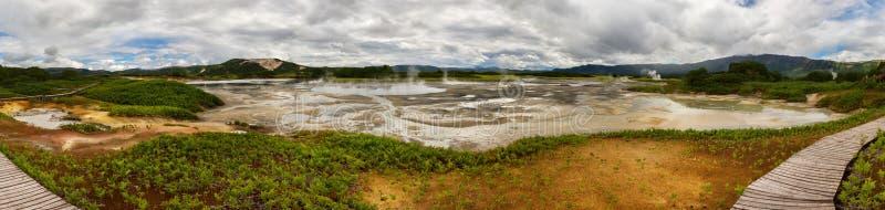 Panorama de caldeira d'Uzon Réserve naturelle de Kronotsky photos stock