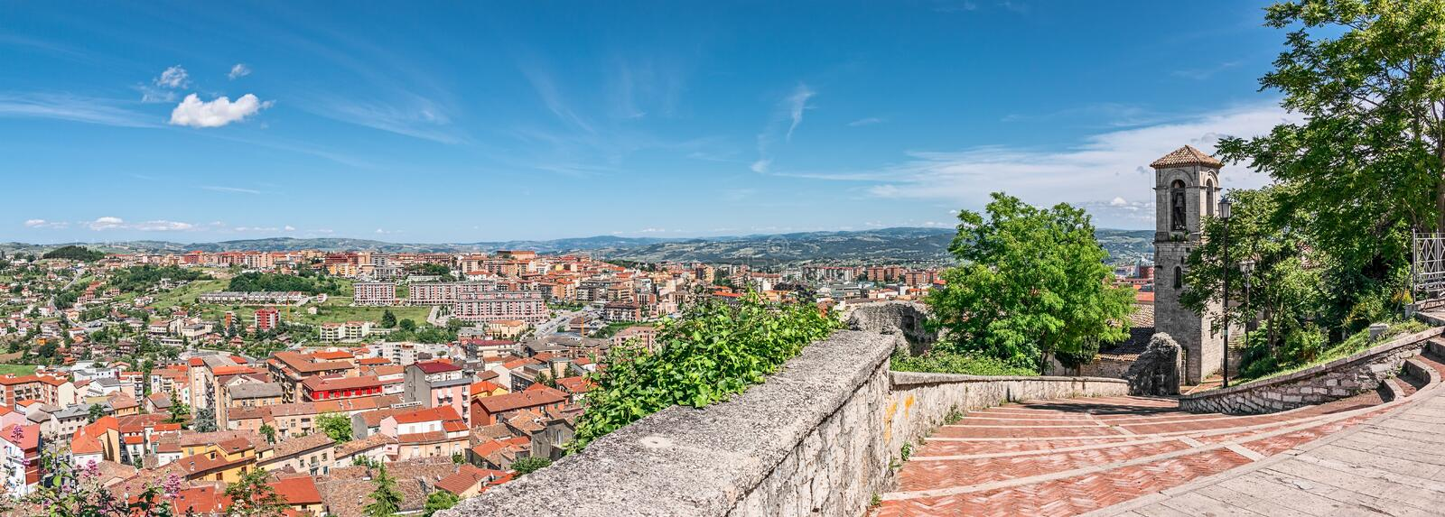 Panorama de Campobasso images stock