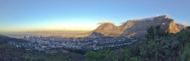 Panorama de Cape Town, montaña de la tabla, Suráfrica foto de archivo libre de regalías