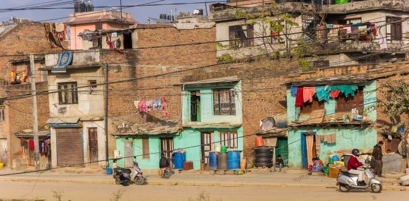 Panorama de casas coloridas en el centro de Katmandú fotografía de archivo