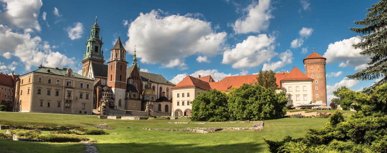 Panorama de cathédrale de Wawel à Cracovie, Pologne photo libre de droits