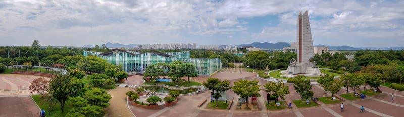 Panorama de centre de certification de bicyclette de banque d'estuaire de Nakdonggang dans le pavillon de culture de rivière de N photos libres de droits