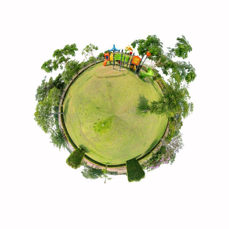 Panorama de cercle de terrain de jeu sur le fond blanc photographie stock libre de droits